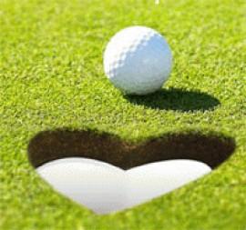 enamorados en el golf