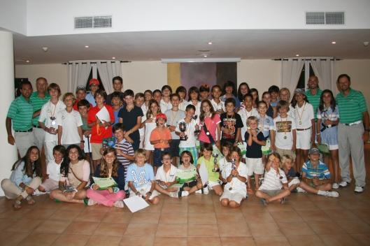 Todos los alumnos que asistieron a la fiesta